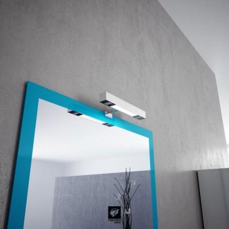 Detalle espejo azul